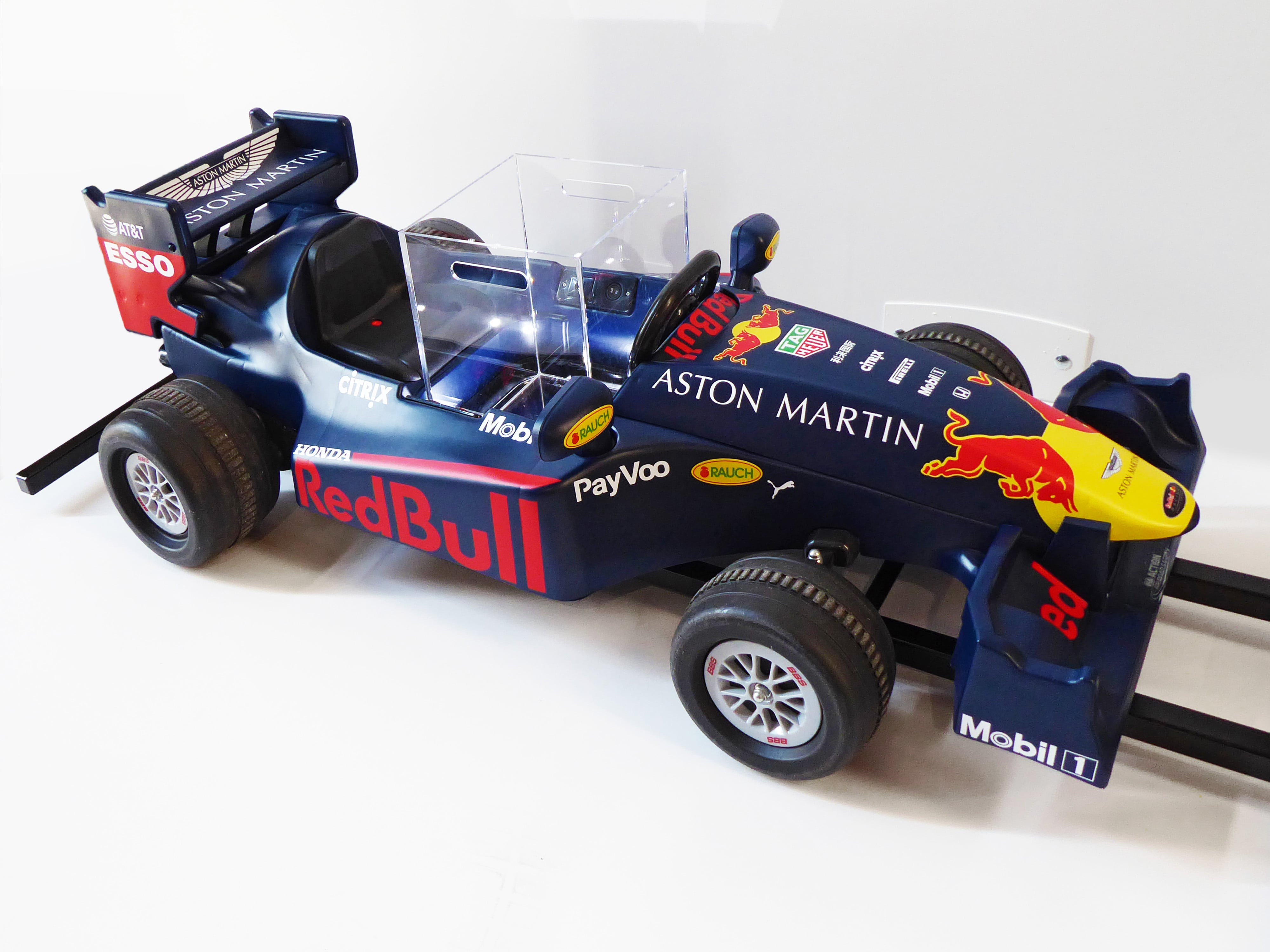Red Bull - F1 serving tool